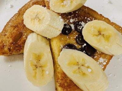 French toast - classic eggy bread with sliced bananas and chocolate chips!